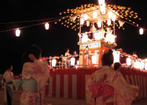 盆踊り大会の様子-3