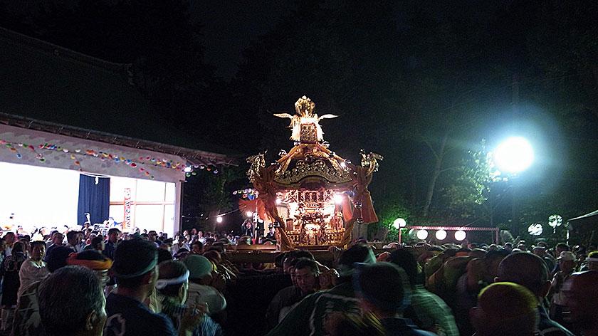 秋季例大祭神輿宮入の様子