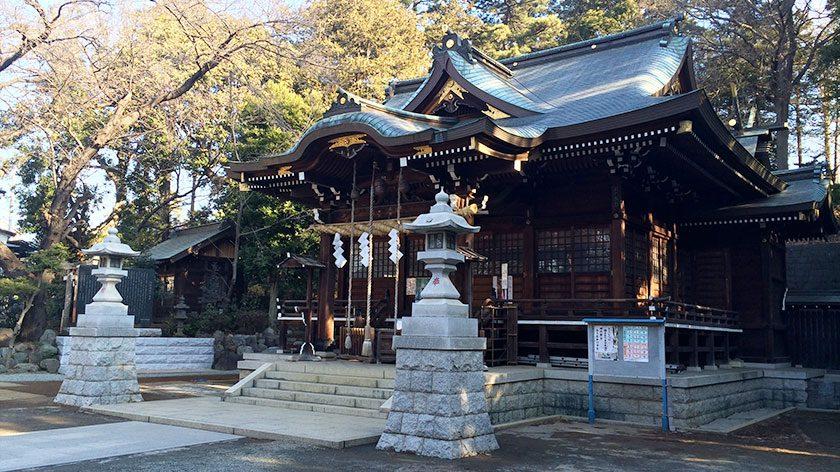 馬絹神社神殿